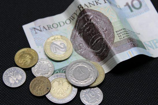 средняя зарплата в польше в злотых